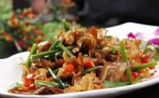 韭菜炒臘豬耳