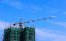 城市建设楼盘吊塔作业