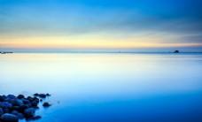 海天一色的蓝色风景